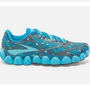 Brooks Nuero women's running sneakers size 9.5